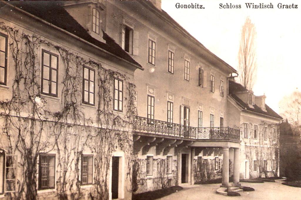 Dvorec Trebnik iz preteklosti Gonobitz - zunanjost vhod
