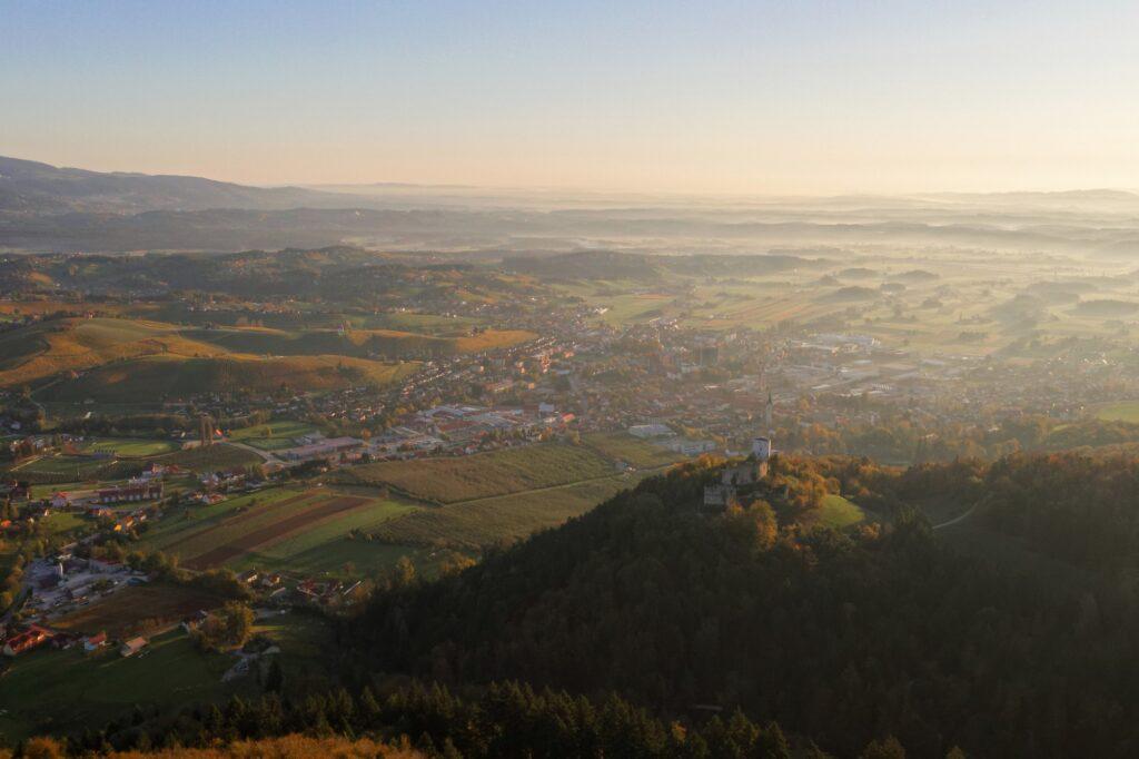 Panorama mesta Slovenske Konjice zahod - FOTO: Miha Matavž Photo&Video, Turistična destinacija Rogla-Pohorje